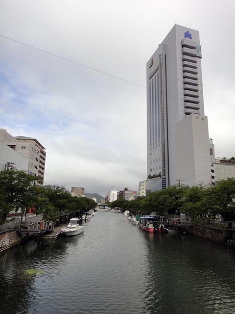 高知市内を流れる川