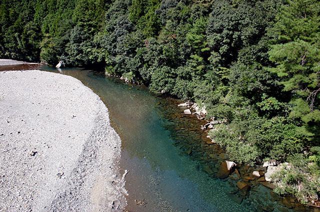 紀州・熊野の大塔川。川湯温泉の近く。