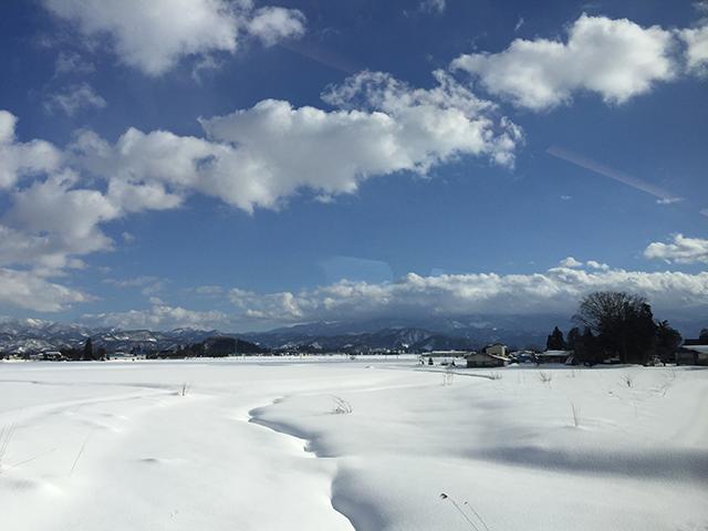 帰りの山形新幹線の車窓から。