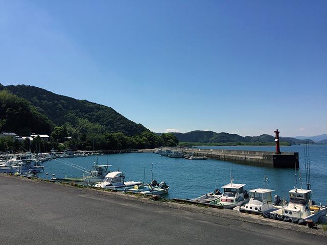 河口には小さな港がありました。 毎月、漁師の取材をしていた頃を思い出しました。 漁師って、やっぱり、職人の極致です。