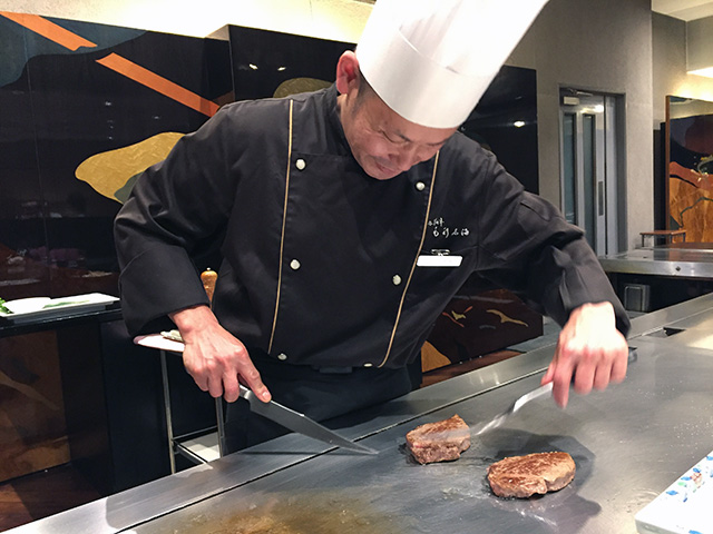 料理人の大澤文彦さんの技が光ります。