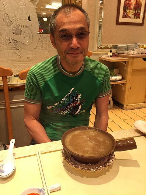 前々回の台北訪問で、いちどお邪魔した「頂上魚翅燕窩専売店(頂上フカヒレ)」です。