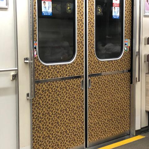 大阪地下鉄・ドア