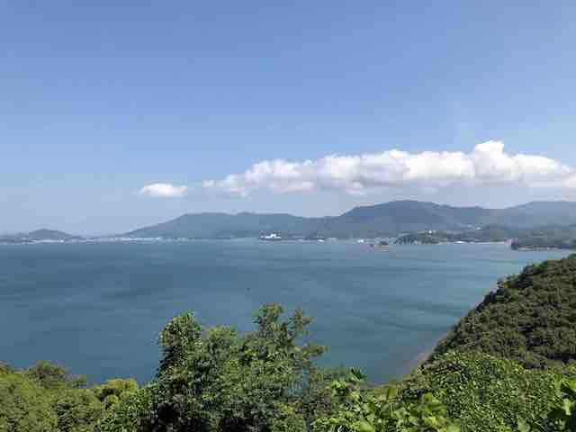 小豆島の海と山